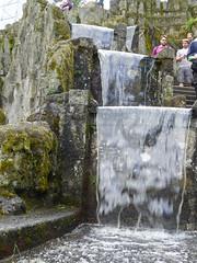 Wassertreppe und Besucher