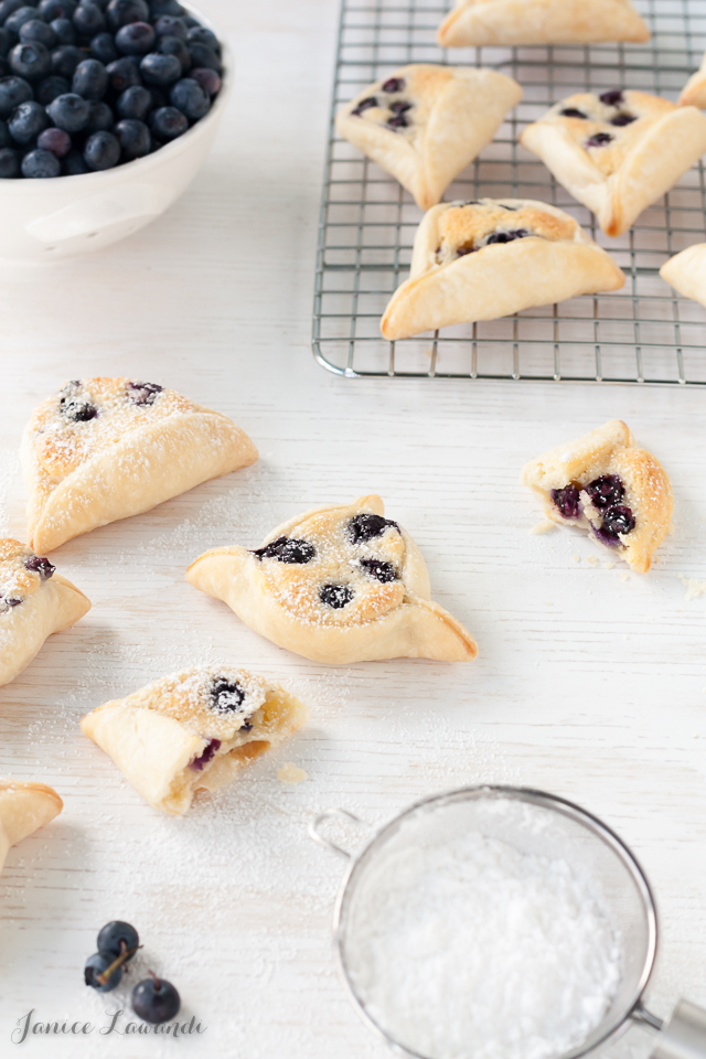 Mini-blueberry-almond-pies