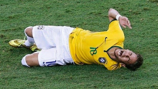 140704_BRA_v_COL_2_1_Neymar_injury_V2
