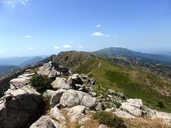 Sommet de Punta di I Cavalletti : la crête vers le Sud et Monte San Petru