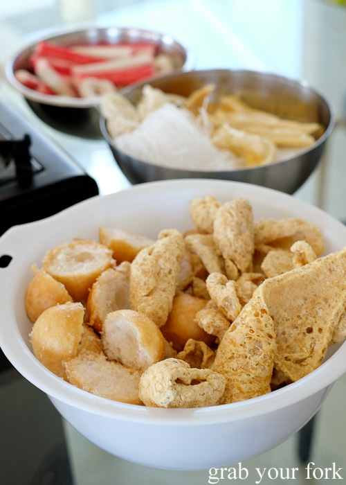Dried tofu puffs and pork crackling for steamboat hot pot