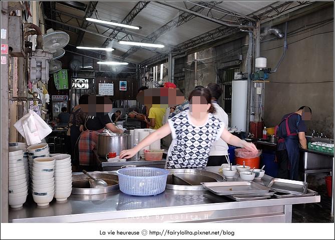 14719999049 eb3bda32b4 b - 《台中♥食記》蕭爌肉飯 大川醬油。在地排隊店,讓人一吃就上癮的銅板小吃