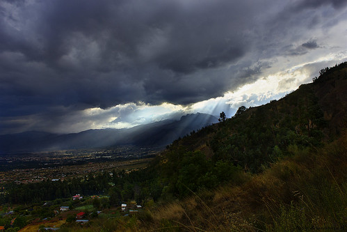 sunset sunlight mountains green nature grass sunshine clouds bolivia hdr cochabamba tiquipaya canon550d