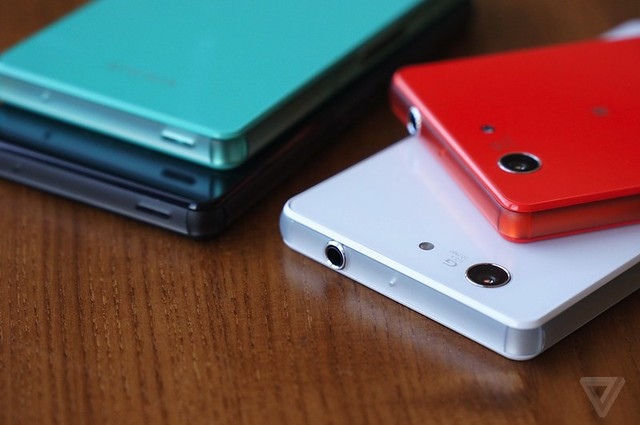 sony-xperia-z3-compact-315_verge_super_wide