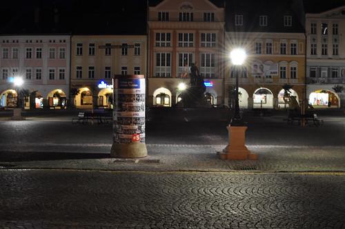 Volební dekorace na Trutnovském náměstí