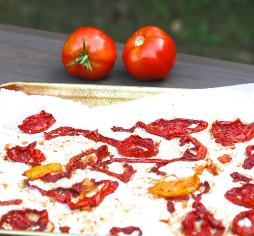 How to dehydrate tomatoes via MealMakeoverMoms.com/kitchen