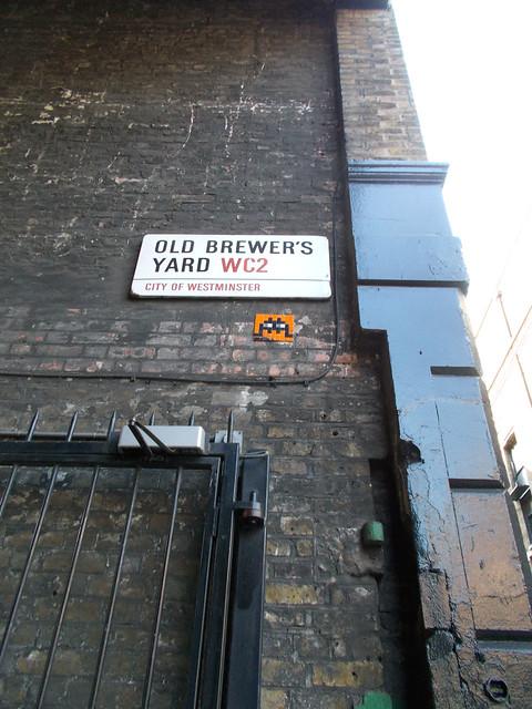 LONDON 0956