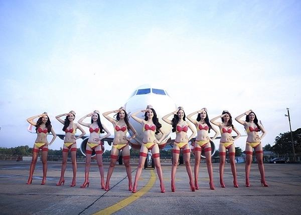 Ngọc Trinh Bikini  Pr máy bay