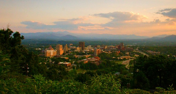 Asheville, NC (by: Bret Frk, creative commons)