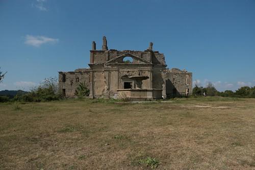 La chiesa simbolo di Monterano