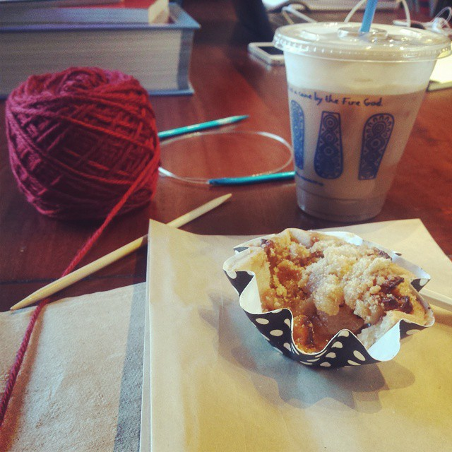 89/100 #100happydaysofDWJ waiting on my mom so I decided to not waste time and take a coffee/knitting break. #dwjknits