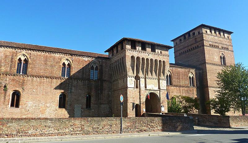PANDINO (Cremona) - castello Visconteo