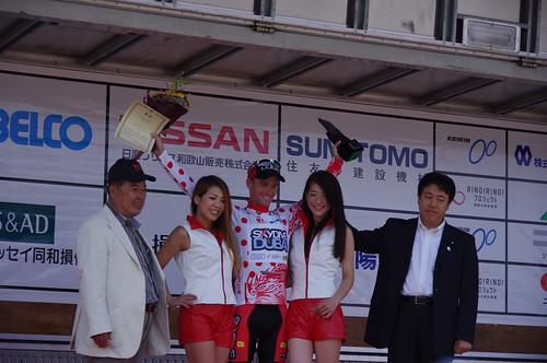 山岳賞はスカイダイブドバイのオスカル・プジョル
