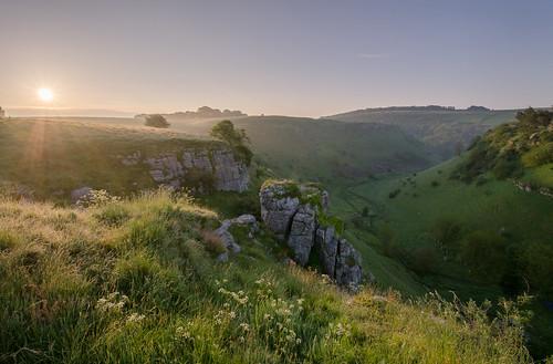 derbyshire peakdistrict limestone whitepeak peakdistrictnationalpark lathkilldale lathkilldalepeakdistrict walkinginderbyshire