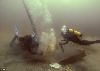 Griffon wreck divers