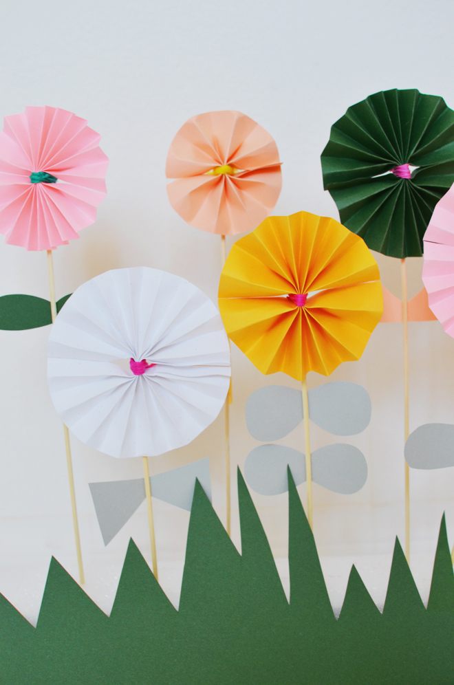 Camp Home Accordion Fold Paper Flowers Cakies