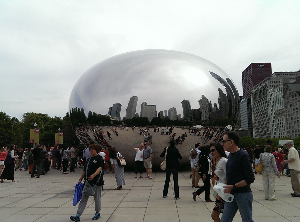 Cloud Gate on cloudy day