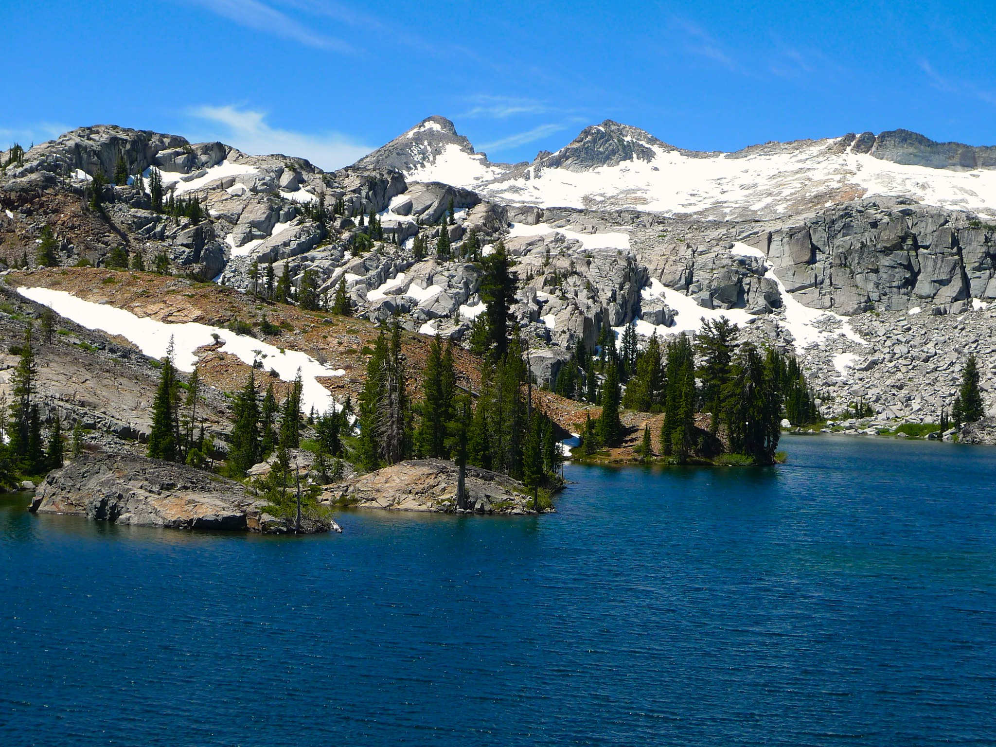 The Crystal Range behind a ridge above Heather Lake