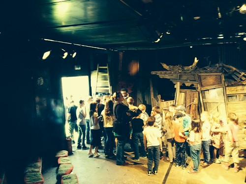 Groupe scolaire_Camion théâtre