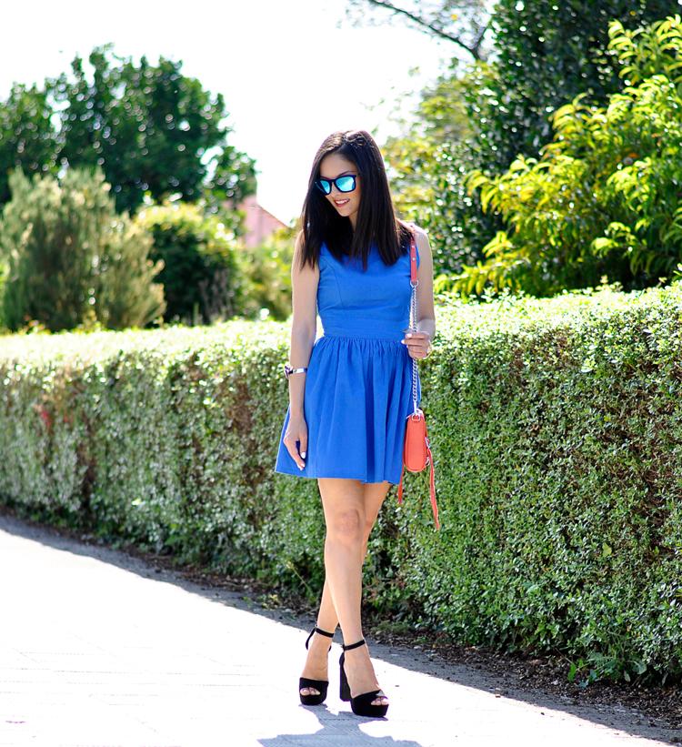 Blue Dress_01