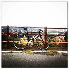 Training hard over the sea #liguria #vacation #cinelli @@cinelliusa #fixedgear #4717 #fixedforum #rivieradeifuori #sivoana #eallorano #tagacaso