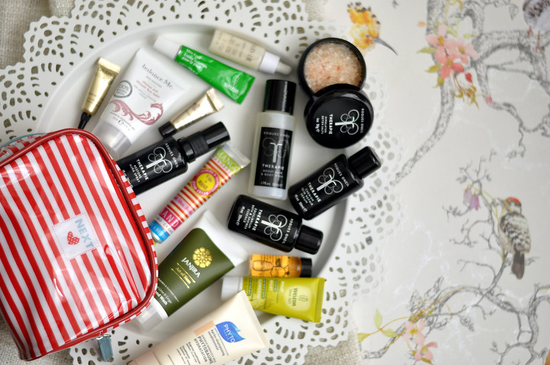 whats in my makeup bag long weekend edition rottenotter rotten otter blog