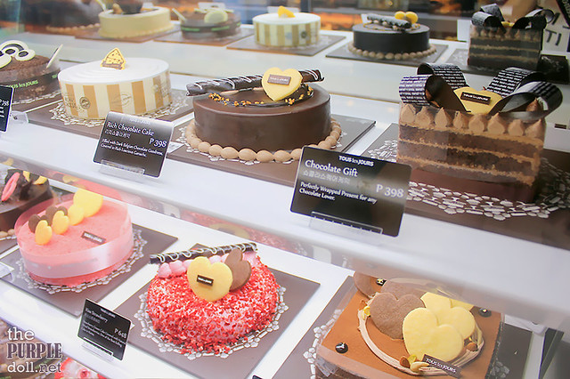 Strawberry and Chocolate Cakes at Tous Les Jours