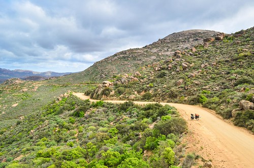 Cycling up the Kamiesberg pass to Leliefontein