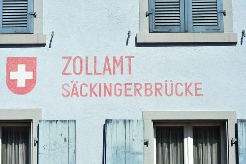 Bad Säckingen Stein Holzbrücke alt gedeckt Rheinbrücke Eichenholz Fichtenholz Foto Brigitte Stolle