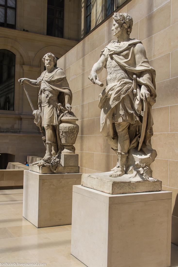Louvre-83