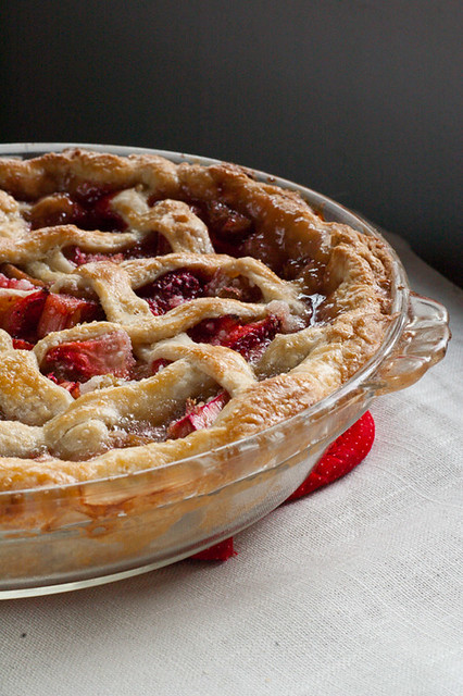 strawberry-rhubarb-pie-recipe