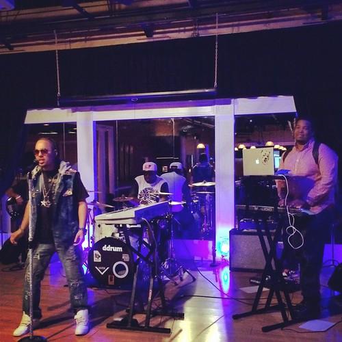Iyse Gibson & Band