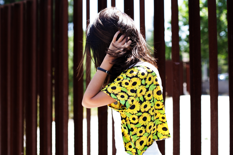 shirt-sunflowers-dungarees-white-h&m-005