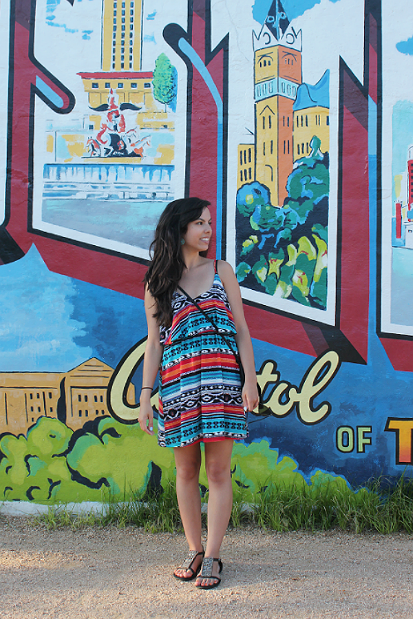 austin texas mural, austin texas style blogger, austin fashion blogger, austin texas fashion blog