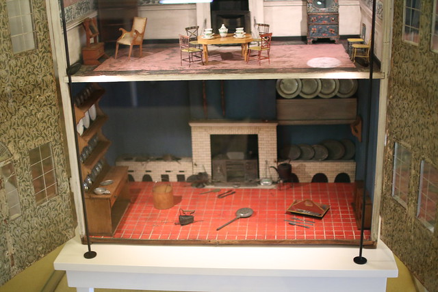 Dollhouse from Kensington Palace and V&A Museum
