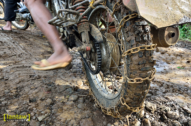 Mud Chains - En route to Asik Asik