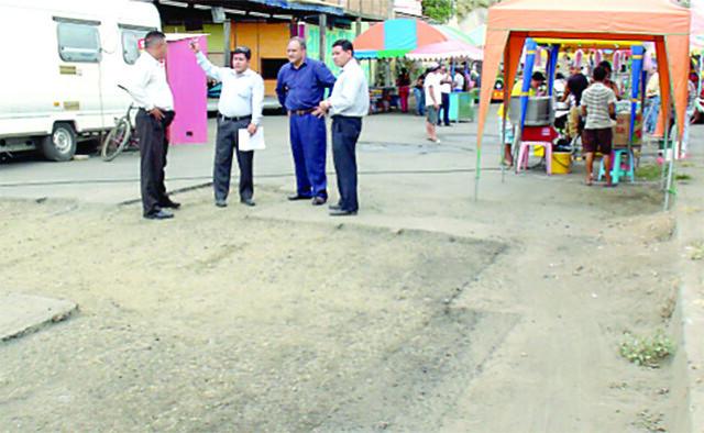 Comenzó el bacheo de calles en Jipijapa