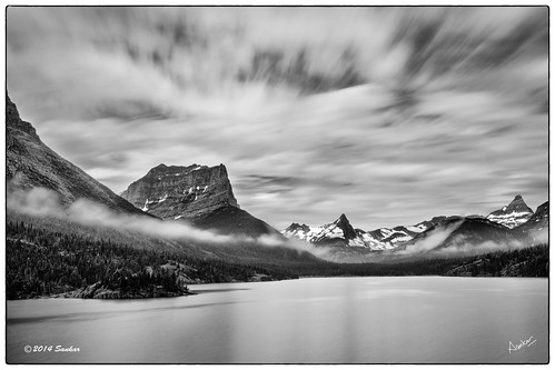 longexposure lake sunrise rockies nationalpark slowshutter glaciernationalpark risingsun sankar continentaldivide canadianrockies chiefmountain blackfeet sunpoint stmary's eastglacier sunriftgorge indiannation bw30nd stmary'slake sankarraman msankar