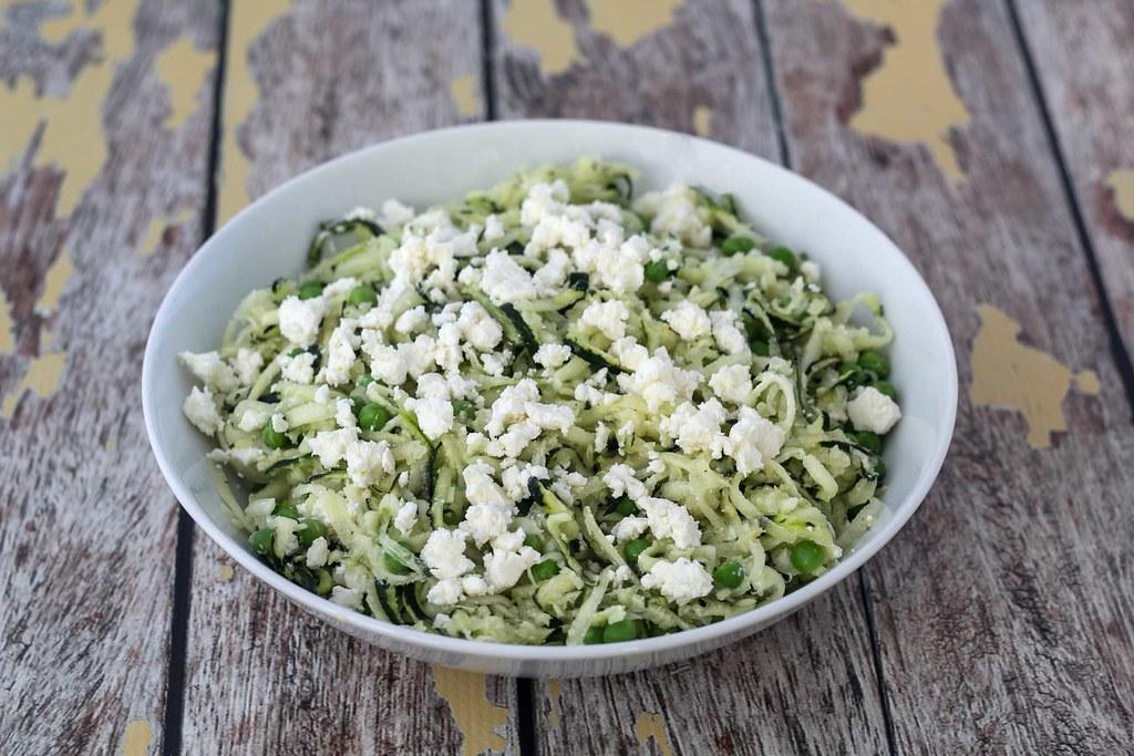 Squashsalat med feta og ærter (1)