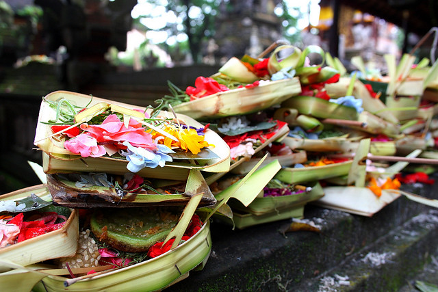 Balinese-Offerings-Flickr-jbobo7