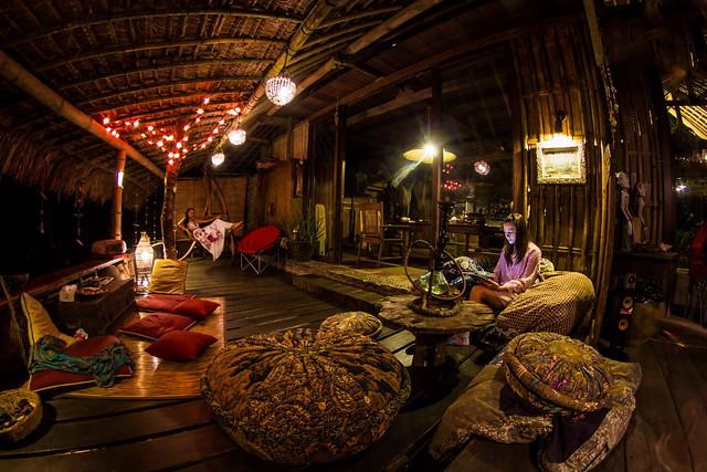 natural-living-villa-airbnb-1