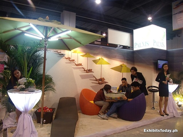 Palms Exhibit Stand