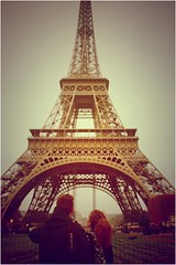 spot love in paris