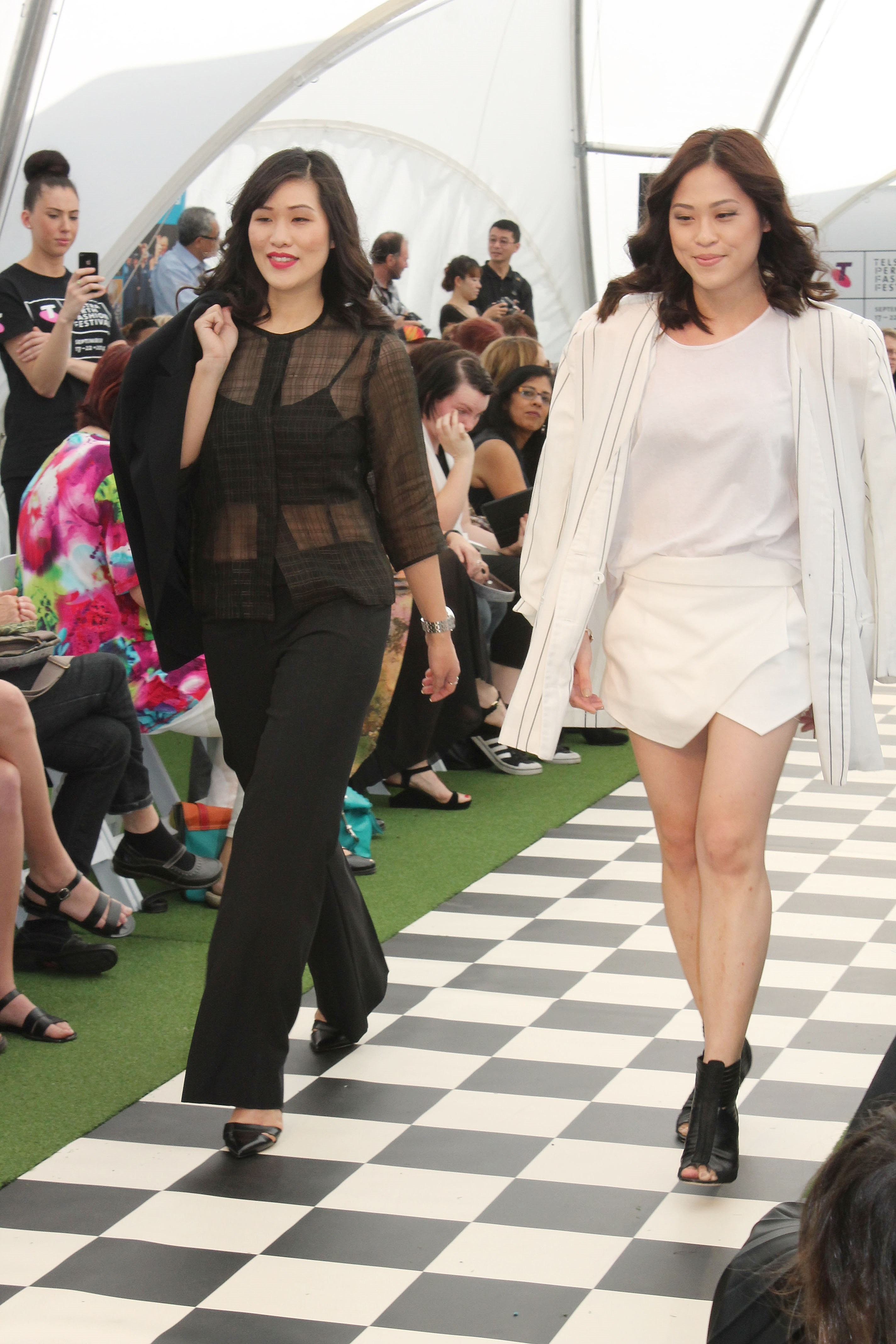 Jocelyn and Jacquelyn from Fashion 2.1 on the runway for Restyle 2014