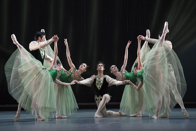 Artists of The Royal Ballet in 'Emeralds' from Jewels, The Royal Ballet © 2017 ROH. Photograph by Alastair Muir.