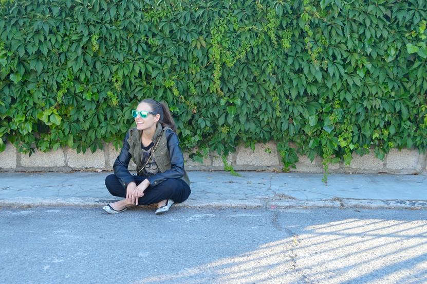 lara-vazquez-madlula-fashion-blog-black-baggy-easy