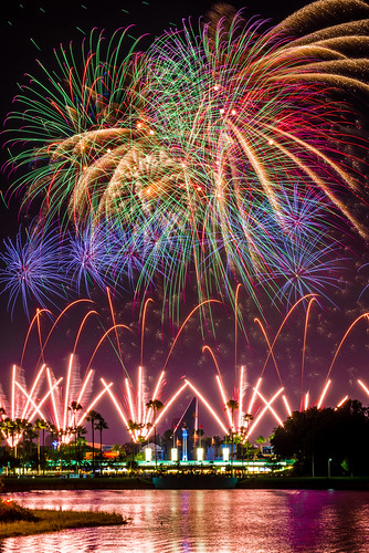 world portrait water colors night reflections stars star orlando nikon long exposure florida fireworks disney telephoto hollywood wars wdw pyro studios walt tamron symphony channel pyrotechnics 2014 bursts d610