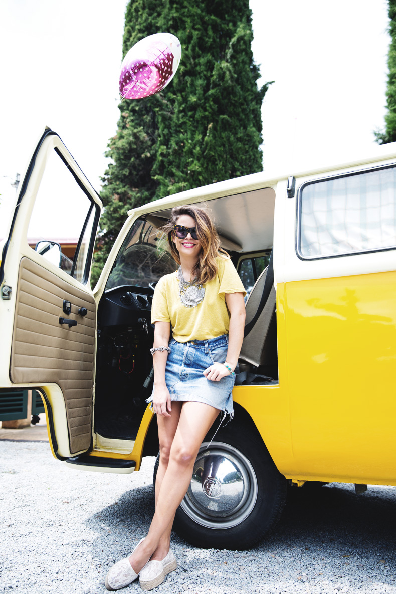 LidL_Ice_Cream-Levis_Vintage_Skirt-Yellow_Top-Espadrilles-Outfit-30