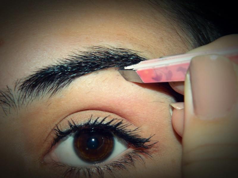 juliana leite blog sobrancelhas como ajeitar como preencher como tirar falhas fazer pintar makeup maquiagem