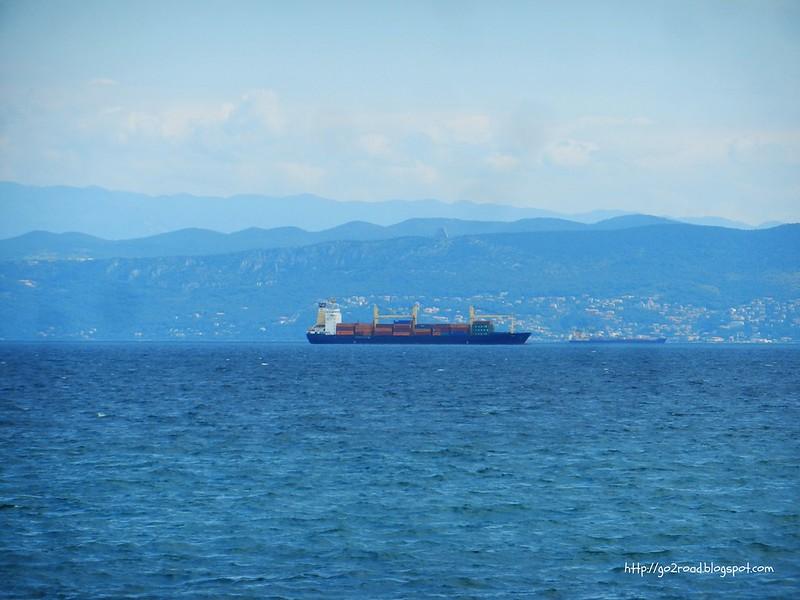 Вид на итальянский берег из Изолы